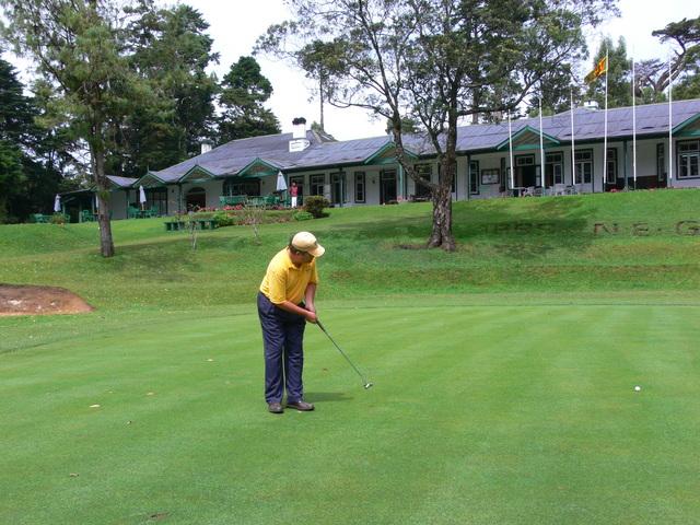 Golfing in Nuwara Eliya- Play golf in cool climes of the hills